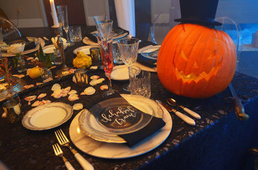 2018 Annual Halloween Tabletop Competition Winner - The Headless Horseman Dinner