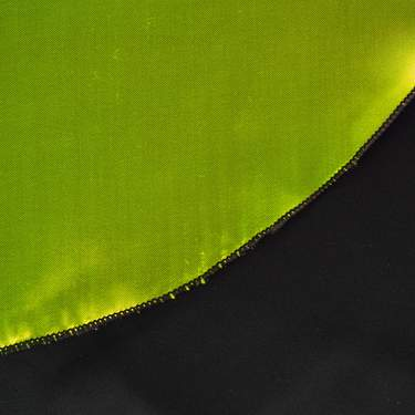 "Linen Harlow Poly Satin Lime/Black 20"" Round Napkin"